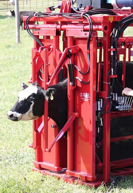 Titan Cattle Care Hydraulic Chutes Stationary Amp Portable